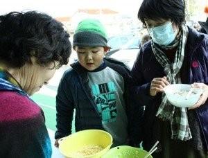 年越し蕎麦振る舞いお手伝い@さかなの駅